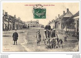 CPA 45 Les Choux Route De Gien Voiture à Chiens - Otros Municipios