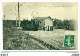 CPA 87 Saint Bonnet Briance La Gare Et Le Tramway Ligne De Limoges à Peyrat Le Chateau - Other Municipalities