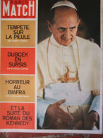 Paris Match N°1005 (10 Août 1968) La Pilule - Dubcek - Biafra - Roman Des Kennedy - Paul VI - General Issues