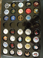 Lot 34 Capsules Muselets Champagne  An 2000 & De Castellane - Collezioni