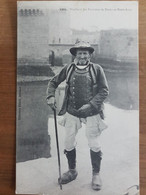 Concarneau.vieillard Des Environs De Nevez Et Pont-aven.costume Breton.édition Villard 1995 - Concarneau