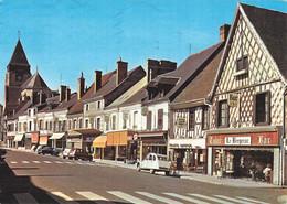 18 Aubigny Sur Nere La Rue Du Prieuré Voiture Auto Citroen 2cv 2 Chevaux Renault 4L - Aubigny Sur Nere