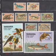 Tanzania 1990 Extinct Animals Prehistoric Birds Fish Turtles Dogs Etc Set+2s/s MNH - Mariposas