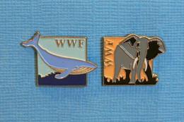 2 PIN'S // ** WWF / FONDS MONDIAL POUR LA NATURE / LA BALEINE BLEUE ET L'ÉLÉPHANT D'AFRIQUE ** - Animali