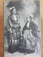 Jeunes Filles Du Pays De Leon.landivisiau.costume De Fête.coiffe Costume Breton.édition Villard 1943 - Landivisiau