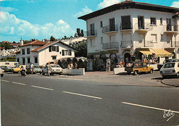 Automobiles - Voitures De Tourisme - Saint Jean De Luz - Sports Plage, épicerie Fine Ithorotz - Au Fond, Le Cimetière Ma - Turismo
