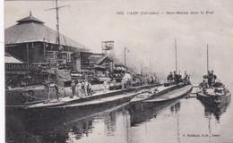 CAEN -14- Sous Marins Dans Le Port - Animation - Caen