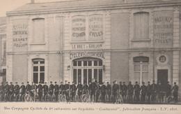"""CPA Une Compagnie Cycliste Du 6° Cuirassés Sur Bicyclette """"Continental"""" Pneu """"Hutchinson""""  Ets LEBRET & GOUJON (2 Scans) - Reggimenti"""