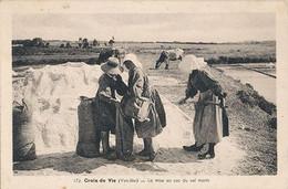 CROIX DE VIE - N° 173 - LA MISE EN SAC DU SEL MARIN - Andere Gemeenten
