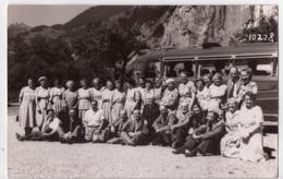 8245 - Carte Photo Sans Titre De W. Masshardt Kino à Interlaken - Suisse Bernoise ( Touristes Devant Leur Bus ) - BE Berne