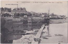 35. SAINT-MALO. Le Passage De Saint-Servan à Saint-Malo, à Marée Basse. 60 - Saint Malo