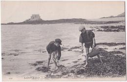 35. SAINT-MALO. Petits Pêcheurs De Crabes. 110 - Saint Malo