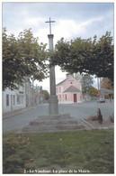 77 - Le Vaudoué - La Place De La Mairie - Other Municipalities