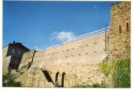"""Carte-photo Moderne """"La Reconstruction Des Murailles De La Haute-Ville 2001"""" Granville - Manche - Normandie - Riproduzioni"""