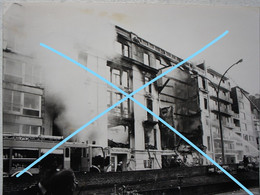 Photo BLANKENBERGE Incendie Hôtel Continental Brandweer Pompiers Pompier Vers 1975 Kust - Orte
