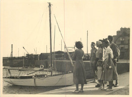 50 - GRANVILLE - Lot De 2 Photos Originales Prises En 1949 - Voilier Sur Le Port - Orte