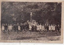 Sannois (95) : Les Enfants De L'Institution ND Rassemblés Autour Du Calvaire En 1930 (animé) PF. - Sannois