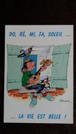 CPM BANDE DESSINEE GASTON LAGAFFE PAR FRANQUIN DALIX 1995 361 DO RE MI FA SOLEIL   LA VIE EST BELLE GUITARE CHAT OISEAU - Stripverhalen