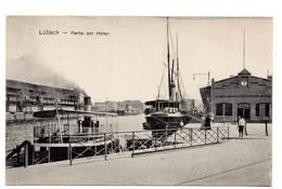 DC5437 - Ak LÜBECK Partie Am Hafen - Luebeck