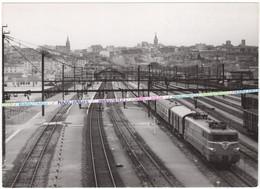 16 ANGOULEME / PHOTO / GARE / TRAIN / LOCOMOTIVE / PHOTOGRAPHIE SNCF - Angouleme