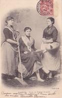 64 -- Pays Basque -- Biarritz -- Types De Femmes Basques -- 3 Jeunes Filles -pégarra - Quenouille - Râteau --- 819 - Biarritz