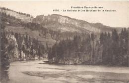 FRONTIERE FRANCO-SUISSE .1030. LE REFRAIN ET LES ROCHERS DE LA CENDREE .  CARTE NON ECRITE - Other Municipalities
