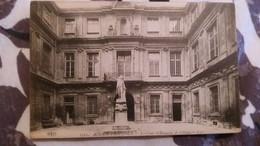 Aix En Provence - La Cour D'honneur De L'hotel De Ville - Aix En Provence