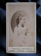 Photo  CDV  Tourtin à Paris  Portrait Jeune Fille (profil)  Belle Coiffure  CA 1880 - L532 - Old (before 1900)