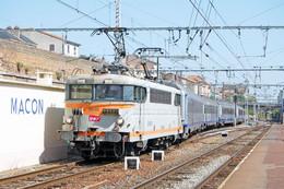 Mâcon (71 - France) 27/08/2007 - Gare De Mâcon-Ville - La BB 9618 En Tête D'une Rame Corail TER - Macon