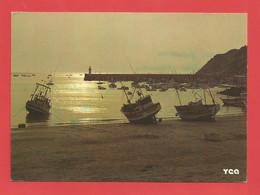 """C.P.M. ( 22 )  """" ERQUY """" A L'etrémité De La Baie De Saint-Brieuc,Equy,station Balnéaire Et Petit Port De Pêche X 2pht. - Erquy"""