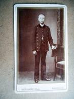 PHOTO CDV 19 EME JEUNE GARCON COSTUME MILITAIRE  MODE Cabinet BRABANT A MAUBEUGE - Old (before 1900)