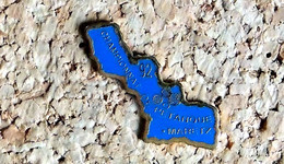 Pin's PETANQUE Jeu Provençal - Championnat 1992 MARETZ 59  - Peint Cloisonné - Fabricant Inconnu - Bocce