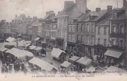 50 - La Haye Du Puits - Un Mercredi Jour De Marché - Circulé En 1916 - Cachet Poste Militaire Belges - Animée - TBE - Altri Comuni