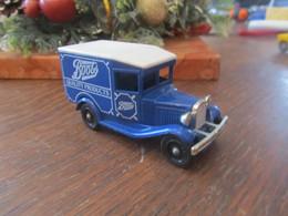 CR83 Lledo, Van Ford 1934  Boot's Quality Products, Modèle Promotionnel, 7,5 Cm - Pubblicitari
