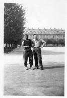 Photographie Anonyme Vintage Snapshot Chalons  Prisonnier Guerre Antillais - War, Military