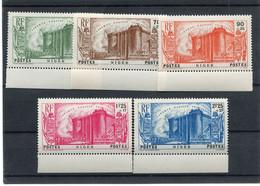 !!! PRIX FIXE : NIGER, SERIE BASTILLE N°69/73 NEUVE ** BORD DE FEUILLE - Unused Stamps