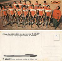CARTE CYCLISME GROUPE TEAM BIC 1970 (  FORMAT 10,5 X 21,5 VOIR PHOTO DEL ANNONCE ) - Cycling
