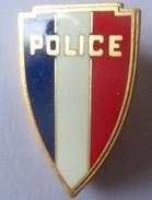 INSIGNE CASQUETTE POLICE - Policia