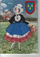 49 - ANJOU - T.Belle Carte Brodée Pas Très Courante , Signée F. Escriva - Costume Régional ( 14.7 Cm X 10.2 Cm ) - Borduurwerk
