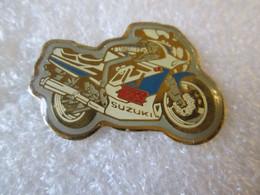 PIN'S  MOTO   SUZUKI  GSX R - Motorfietsen