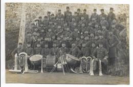 CARTE PHOTO Groupe De Militaires, Musique Du 49e Régiment... - Reggimenti