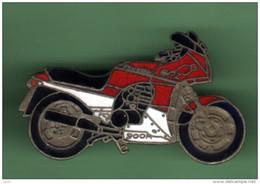 MOTO *** KAWASAKI 900R *** 1076 - Motorfietsen