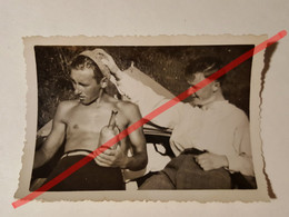 Photo Vintage. Original. Érotique. Hommes Gays Musclés Semi-nus. Lettonie D'avant-guerre - Unclassified