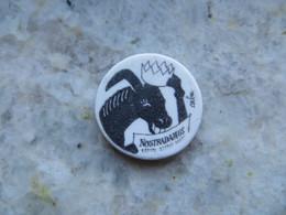Fève Perso Lionnel POILÄNE - Année 2000 Ane Avec Couronne Nostradamus Dessinée Et Signée Par Le Caricaturiste CABU - Animales