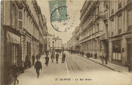 ROANNE  La Rue Brison Animée RV - Roanne