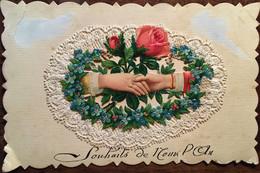 """Cpa, Ajoutis - Rajout, Dentelle Avec Roses Fleurs Bleues, Poignée De Mains """"Souhaits De Nouvel An"""", écrite - New Year"""