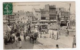 CPA Cherbourg 50 Manche Le Pont Tournant Très Animé Militaires Attelage Cheval éditeur PB Bissonnier N°207 - Cherbourg