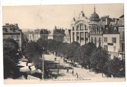 CPA, (64), PAU, Place Nouvelle-halle, Galeries Modernes, Jammais Voyagée - Pau