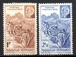 Col19  Madagascar N° 229 & 230  Neuf X MH Cote 2,00€ - Neufs