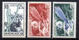 Col19  Madagascar N° 322 à 324 Neuf X MH Cote 5,65€ - Unused Stamps